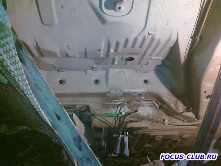 Снятие бака и замена топливного фильтра Focus 1 - 27062011510.jpg