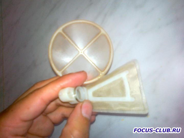 Снятие бака и замена топливного фильтра Focus 1 - 27062011504.jpg